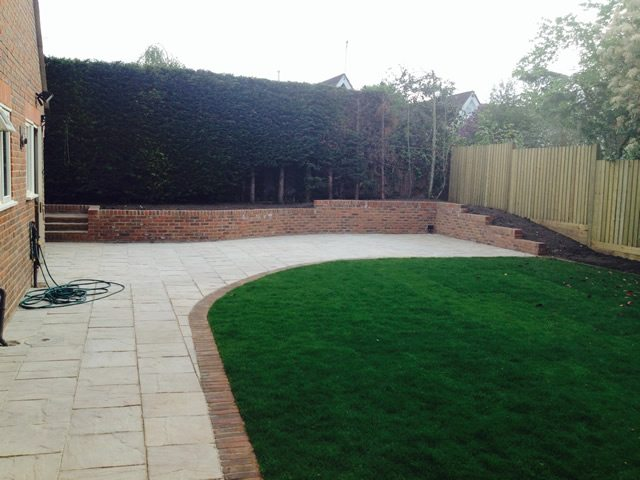 Garden with retaining wall
